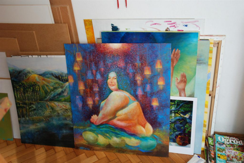 Portret olejny kobiety i akt kobiecy czeka na swoją kolej